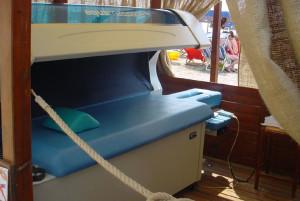 Finale Ligure 2006 - Installazione aquamassage pt al mare.