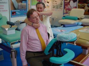 COSMOPROF 2008: La fisioterapista Liliana Grossi all'opera con Eric Mason